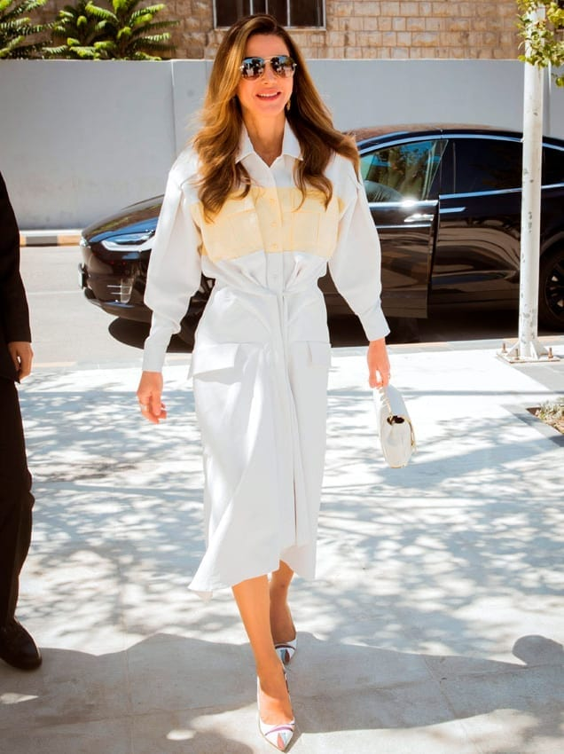 Rania de Jordania con bolso Onesixone